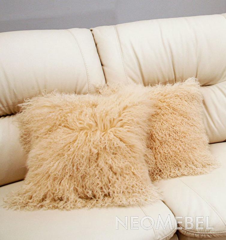 Декоративные подушки из меха